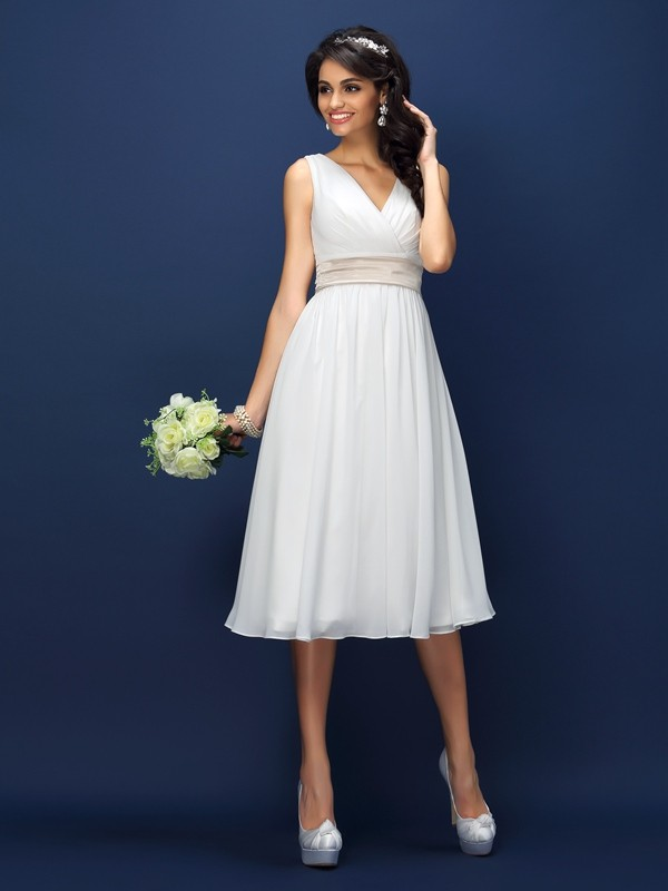 Automatic Classic Princess Style V-neck Pleats Short Chiffon Bridesmaid Dresses