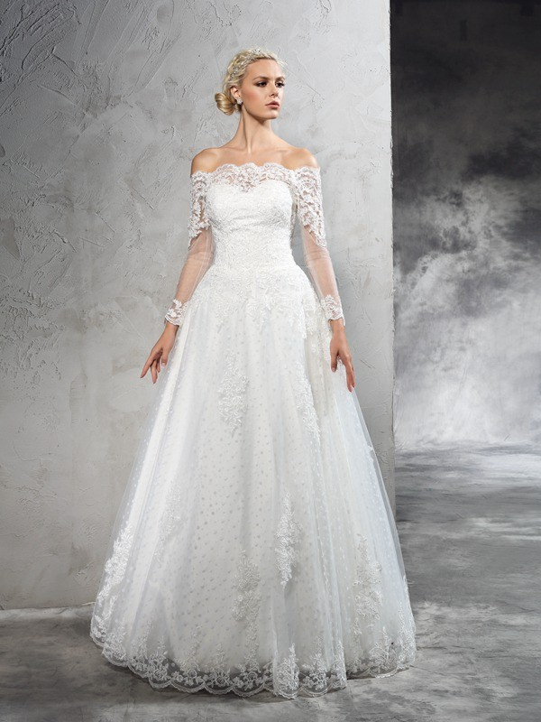 Vibrant Stylist Ball Gown Off-the-Shoulder Lace Long Net Wedding Dresses