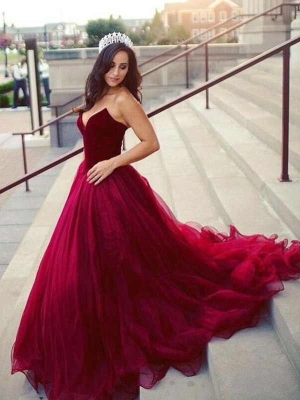 Dashing Darling Ball Gown Sweetheart Court Train Tulle Dresses