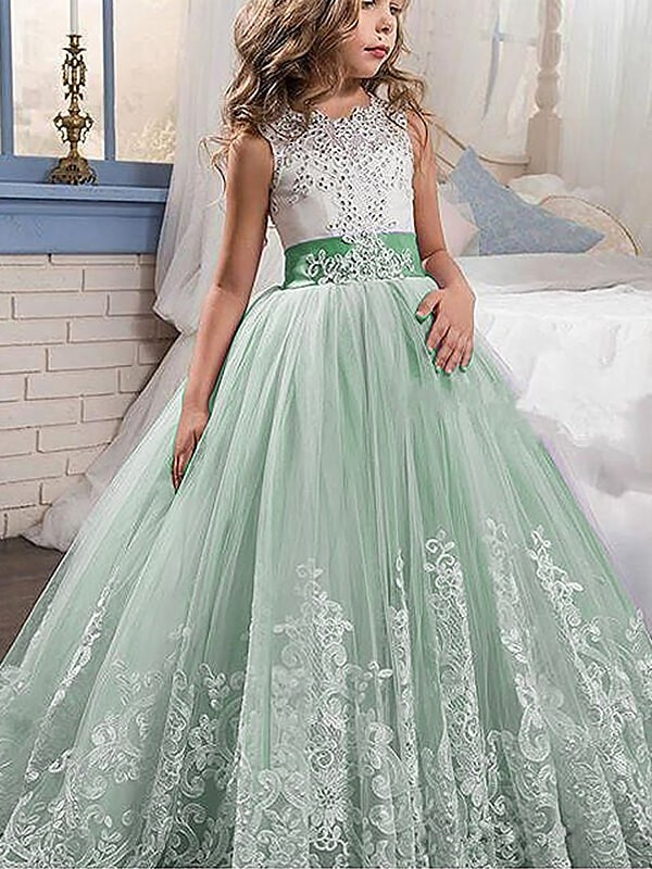 Naturally Chic Ball Gown Jewel Lace Sweep/Brush Train Tulle Flower Girl Dresses