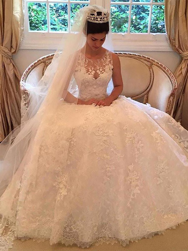 Limitless Looks Princess Style Lace Court Train Scoop With Applique Wedding Dresses