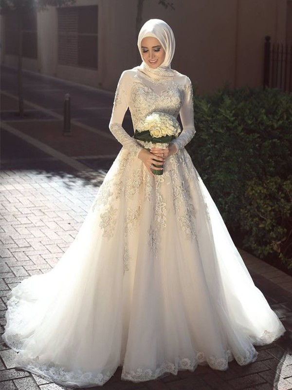 Eye-Catching Charm Ball Gown Jewel Sweep/Brush Train Applique Tulle Wedding Dresses