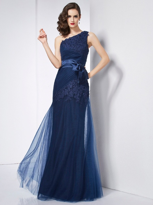 Sweet Sensation Princess Style One-Shoulder Applique Long Net Dresses