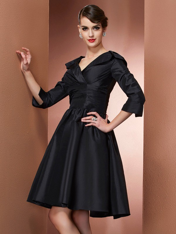 Too Much Fun Princess Style V-neck Short Taffeta Mother of the Bride Dresses