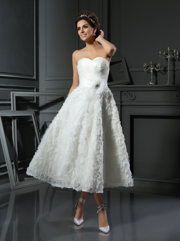 Automatic Classic Princess Style Sweetheart Bowknot Short Satin Wedding Dresses