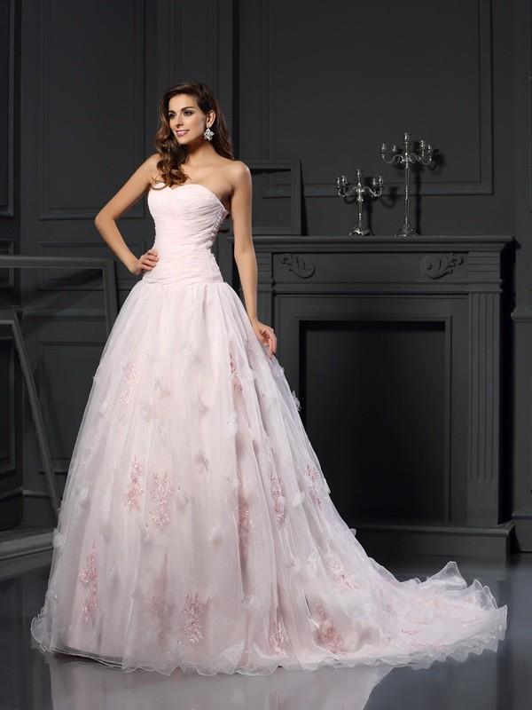 Efflorescent Dreams Ball Gown Sweetheart Ruffles Long Organza Wedding Dresses