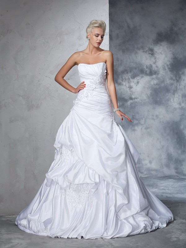 Eye-Catching Charm Ball Gown Strapless Applique Long Satin Wedding Dresses