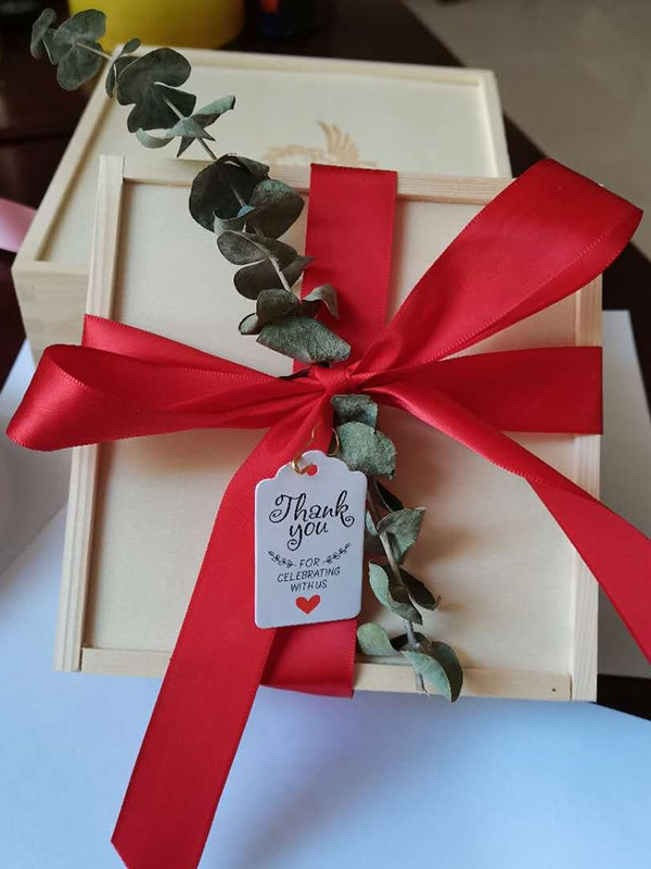 Exquisite Wood With Sash Gift Box