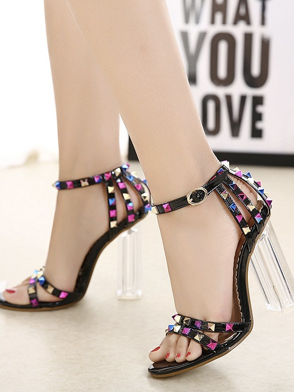 Women's Patent Leather Peep Toe Chunky Heel With Rivet Sandals