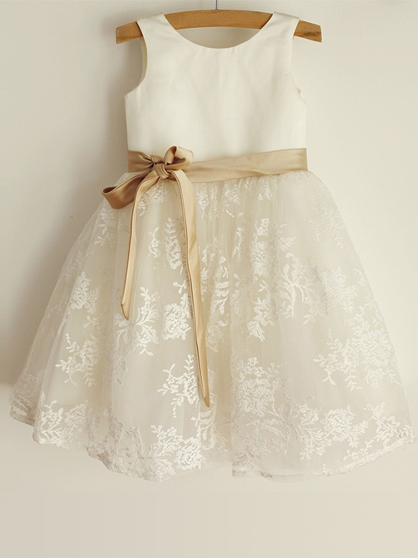 Cute A-Line Scoop Lace Satin Knee-Length Flower Girl Dresses