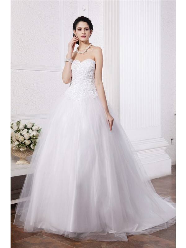 Dashing Darling Ball Gown Sweetheart Beading Applique Long Net Wedding Dresses