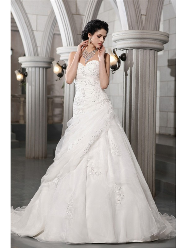 Treasured Reveries Princess Style Sweetheart Beading Applique Long Organza Wedding Dresses