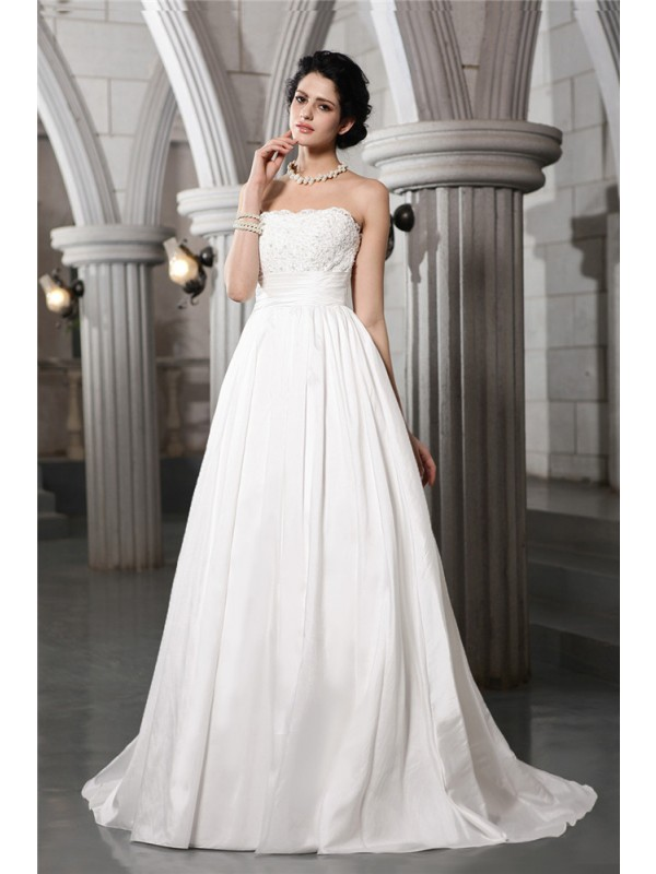 Voiced Vivacity Princess Style Strapless Beading Applique Long Taffeta Wedding Dresses