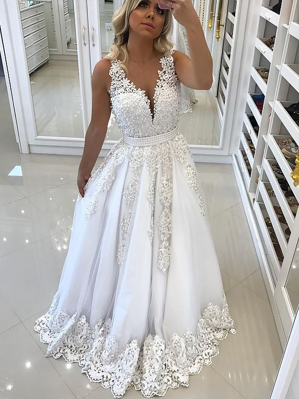 Treasured Reveries Princess Style V-Neck Sweep/Brush Train With Lace Tulle Dresses