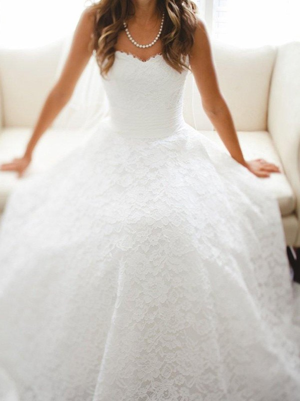 First Impressions Princess Style Sweetheart Cathedral Train Lace Wedding Dresses