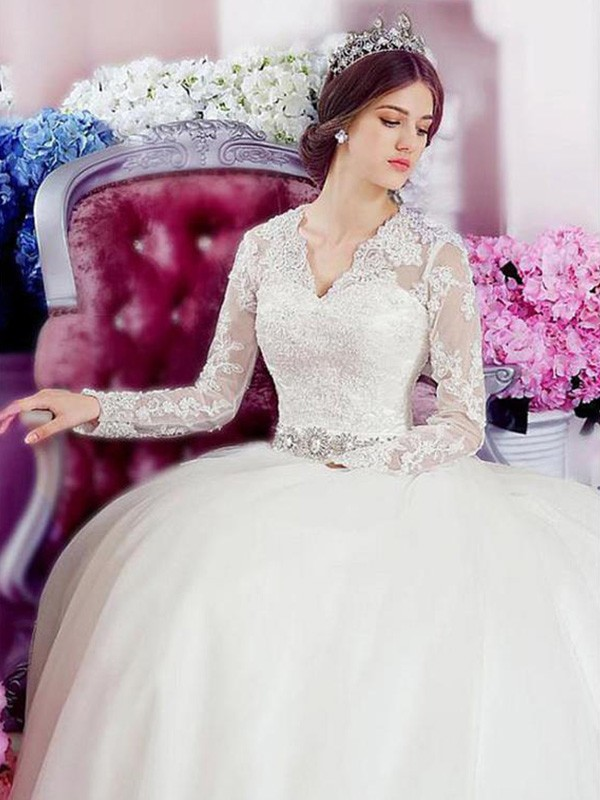 Vibrant Stylist Princess Style V-neck Cathedral Train With Applique Lace Tulle Wedding Dresses
