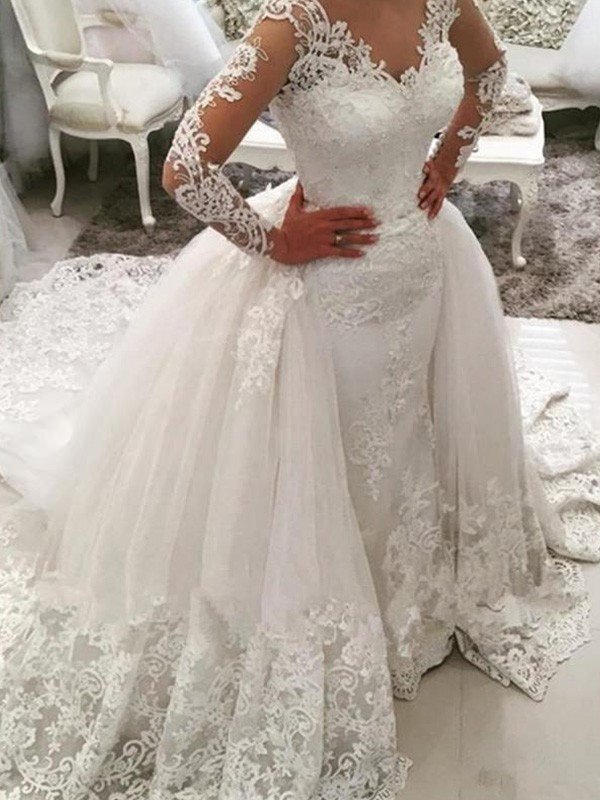 Dashing Darling Ball Gown V-neck Cathedral Train With Applique Lace Tulle Wedding Dresses