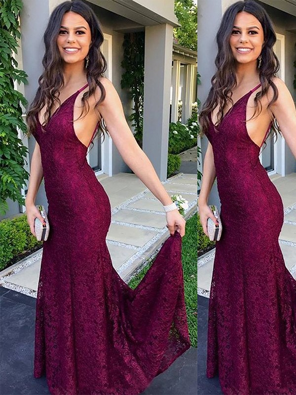 Pleasant Emphasis Mermaid Style V-neck Sweep/Brush Train Lace Dresses