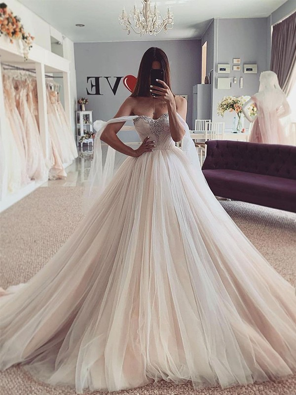 Ball Gown Sweetheart Tulle Beading Sleeveless Court Train Wedding Dresses
