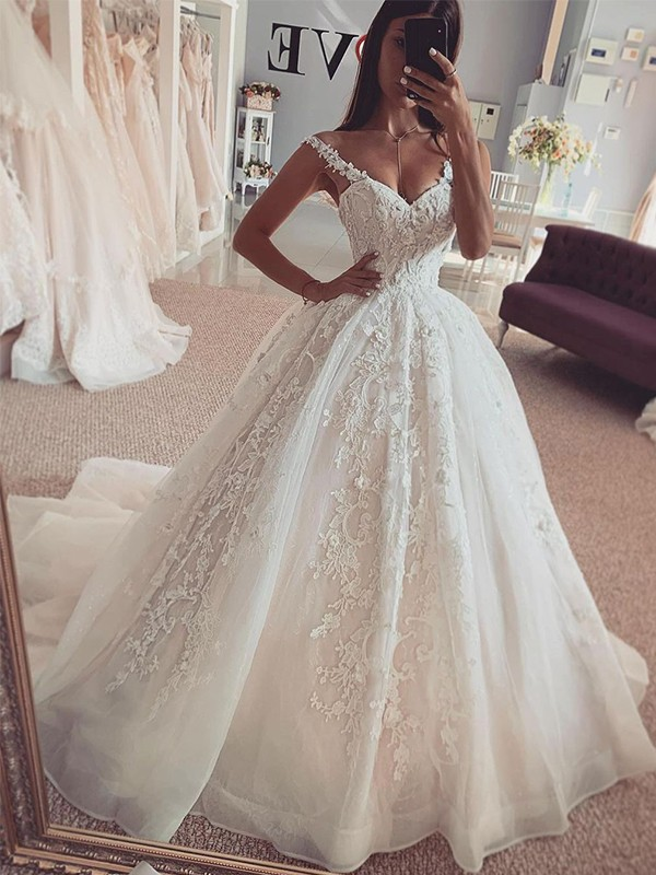 Ball Gown Straps Tulle Sleeveless Applique Sweep/Brush Train Wedding Dresses
