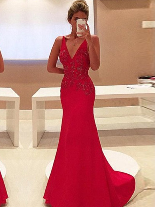 Dancing Queen Sheath Style V-Neck Sweep/Brush Train Applique Stretch Crepe Dresses