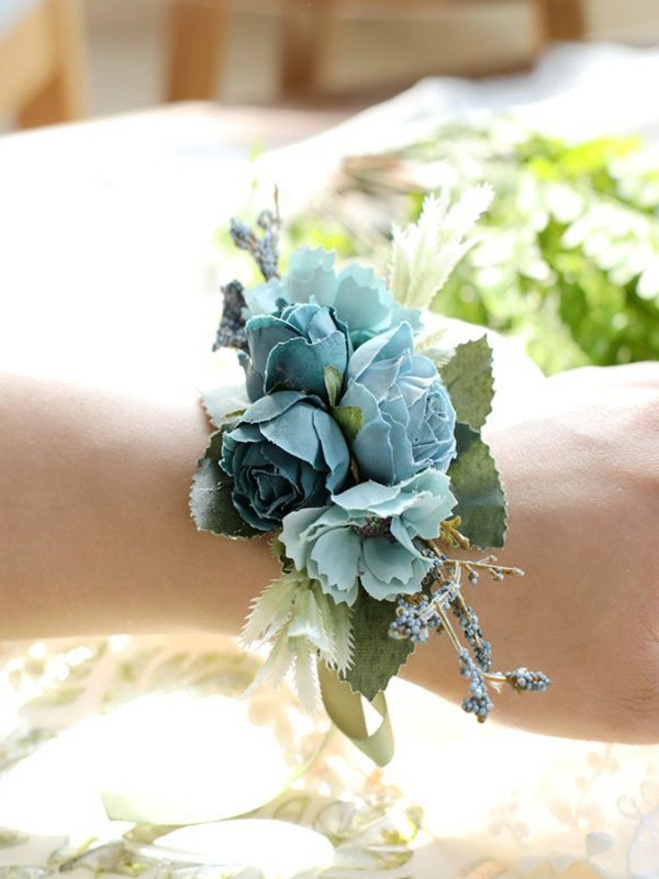 Beautiful Cloth Wrist Corsage
