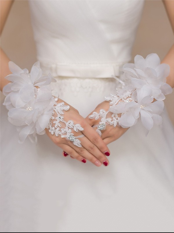 Romantic Tulle Hand-Made Flower Wedding Gloves