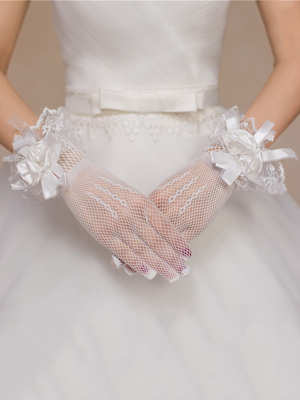 Gorgeous Tulle Hand-Made Flower Wedding Gloves