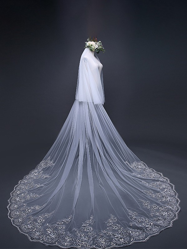 Fashion Tulle With Lace Long Wedding Veils