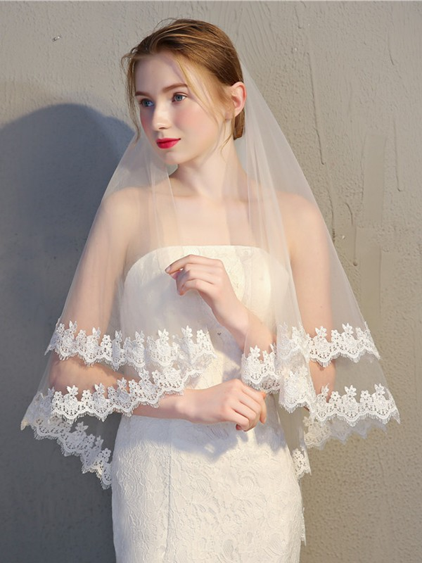 Trending 2 Layer Tulle With Lace Wedding Veils