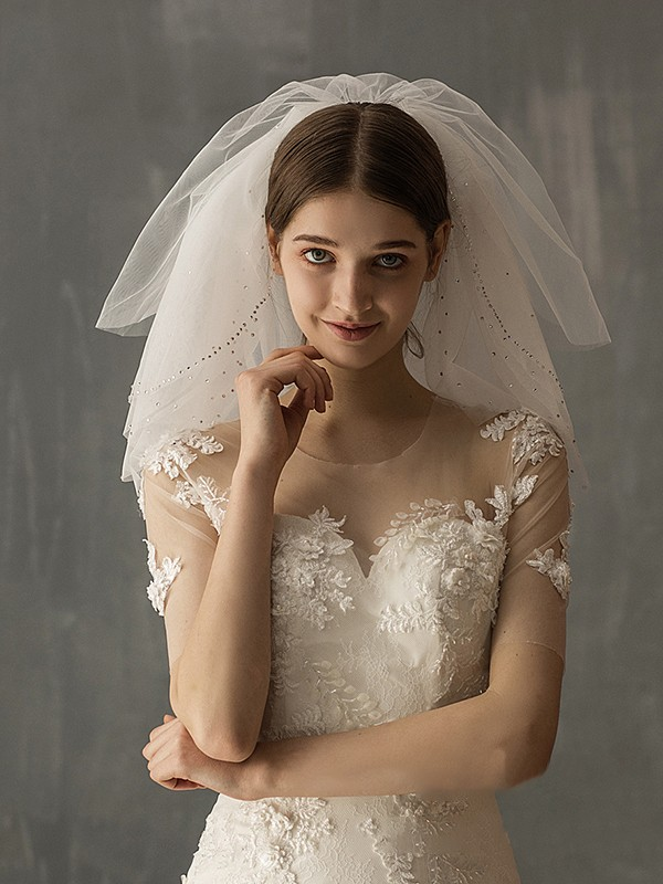 Attractive Tulle Two-Tier With Sequin Shoulder Veils