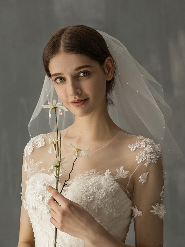 Attractive Tulle One-Tier With Imitation Pearl Shoulder Veils