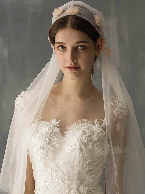 Wonderful Tulle One-Tier With Applique Elbow Bridal Veils