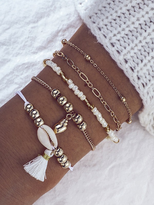 Stylish Alloy With Shell/Beads Bracelets(5 Pieces)